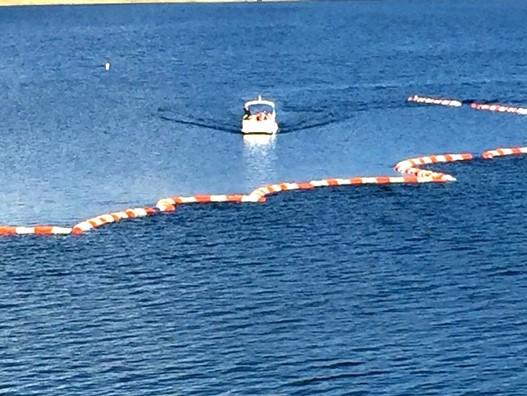 護岸工事や海洋土木で利用されている消波フロート